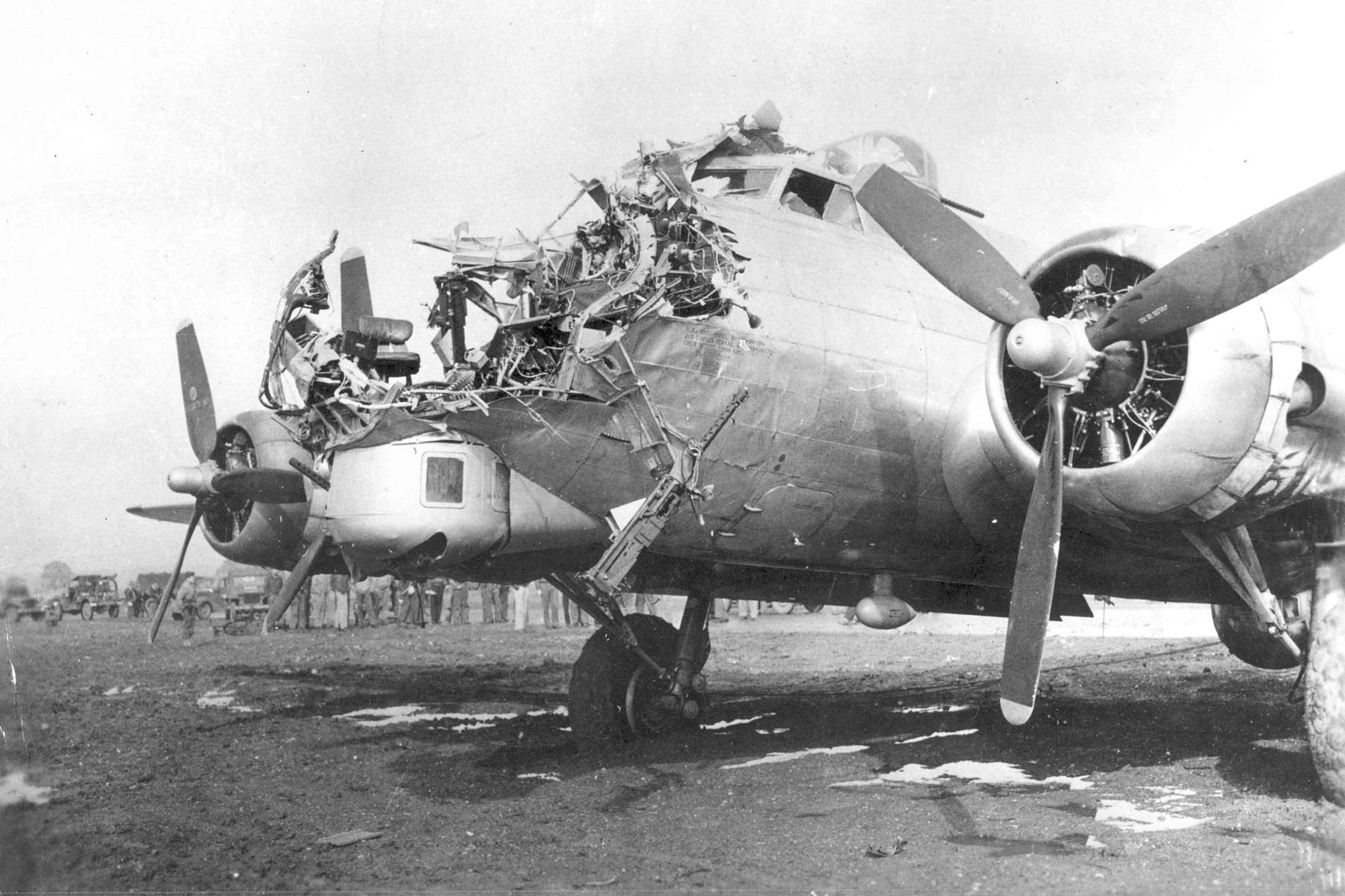 その名は「空飛ぶ要塞」―B17