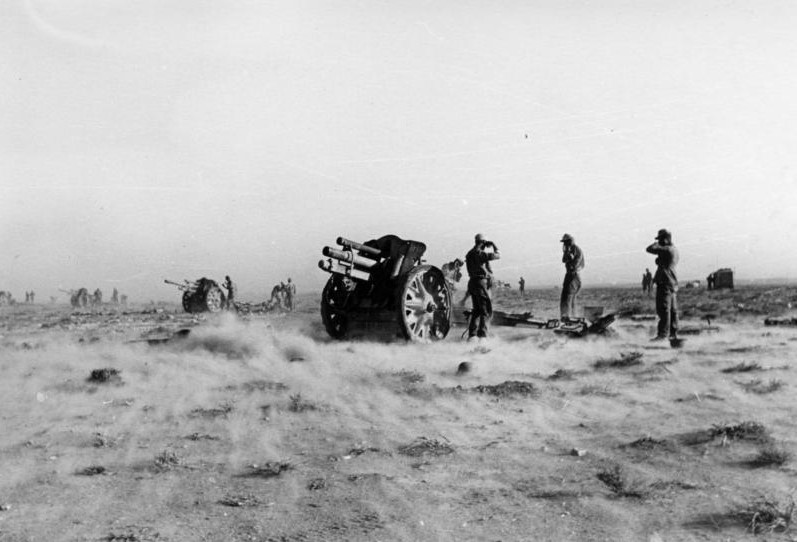 10.5cm榴弾砲leFH18(ドイツ):大砲大国ドイツが開発した車載砲にも転用された優秀火砲