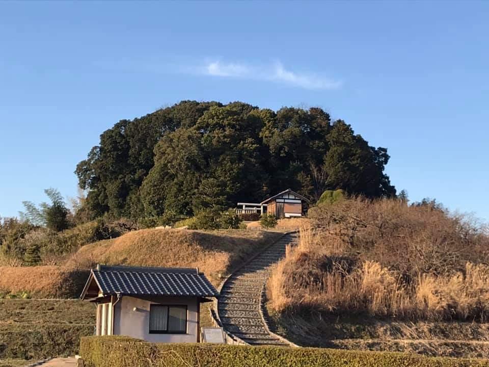 被葬者がめずらしく判明している古代天皇陵 ~明日香村にある「野口の王墓」が天武持統合葬陵とわかった理由