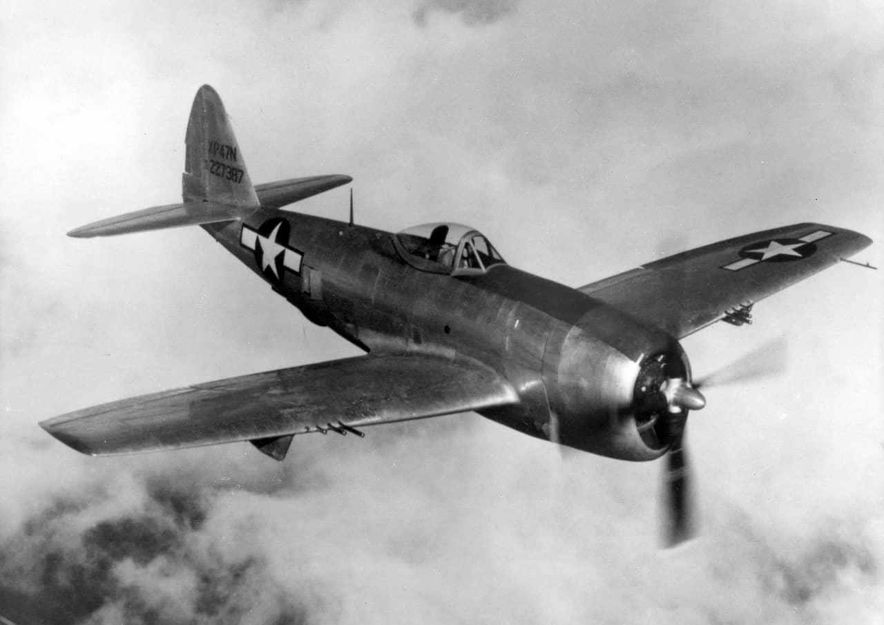 リパブリックP-47サンダーボルト×フランシス・スタンリー・ガブレスキ(アメリカ陸軍航空軍)~被弾・損傷に強い重戦闘機