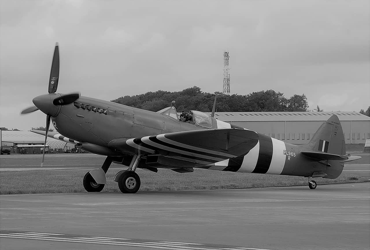 外観は酷似していても中身は別物:スーパーマリン・スピットファイア写真偵察機