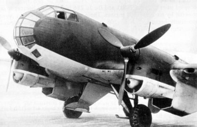 ディーゼルエンジンを備えた超高空を飛ぶ目:ユンカースJu86高高度写真偵察機