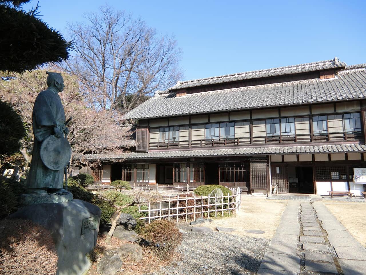 新札の顔・渋沢栄一のアンドロイドに会える注目スポットー生誕地「中の家」の歴史を探る