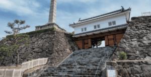 甲府城跡 綱吉が妾・染子におねだりされて 柳沢吉保が加増されたという噂が 残る甲府の城跡。